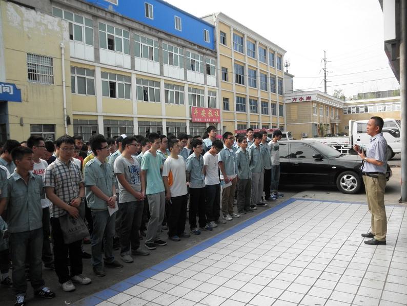 学院领导看望在洛阳中国一拖实习师生 -西北农林科技大学机械与电子